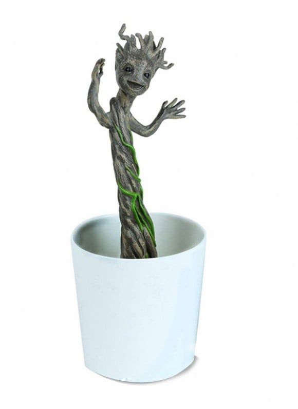 Guardians-of-the-Galaxy-Grow-and-Glow-Figure-Groot-18-cm—–DAMAGED-PACKAGING-3