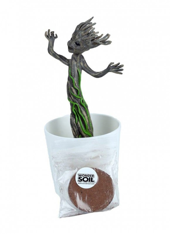 Guardians-of-the-Galaxy-Grow-and-Glow-Figure-Groot-18-cm—–DAMAGED-PACKAGING-4