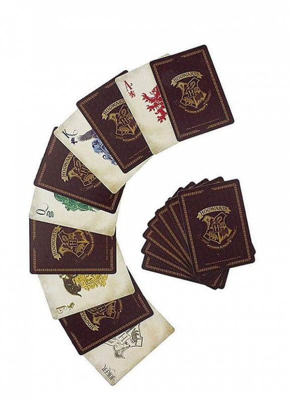 Harry-Potter-Playing-Cards-Hogwarts-poza2